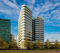 Holiday Inn Express Arena Towers mit Eastside 3-Tribünentickets (Doppelzimmer, 2 Personen)