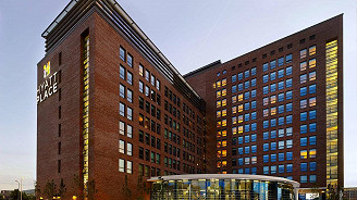 Hyatt Place Amsterdam Airport with Eastside 2B Grandstand (Standard Double)