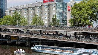 Ibis Amsterdam Centre with Ben Pon 2 Grandstand (Double Room, One Person)