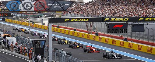 Valtteri Bottas (Mercedes) führt das Feld zu Beginn des Rennens auf dem Circuit Paul Ricard, der französischen F1-Rennstrecke, an