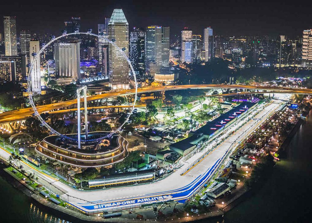 Die Rennstrecke des Großen Preises von Singapur, Marina Bay Street Circuit, bei Nacht