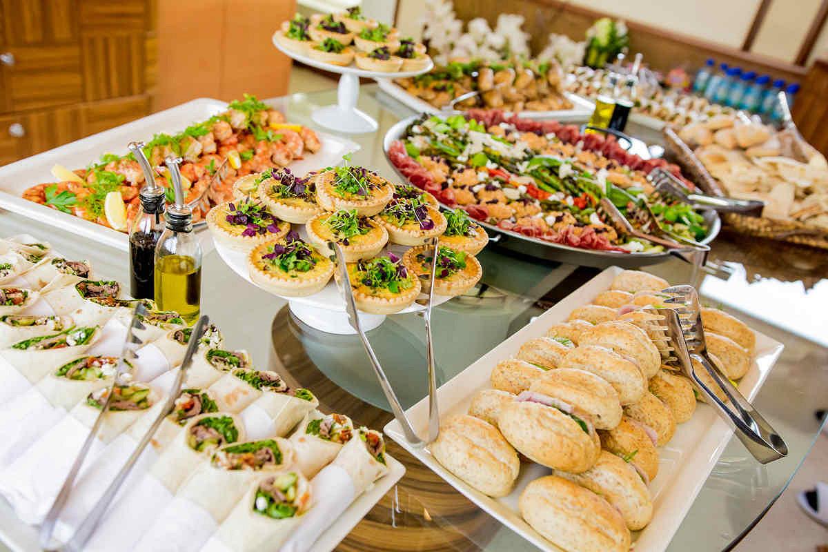 Abu dhabi amber lounge vip yacht fine dining