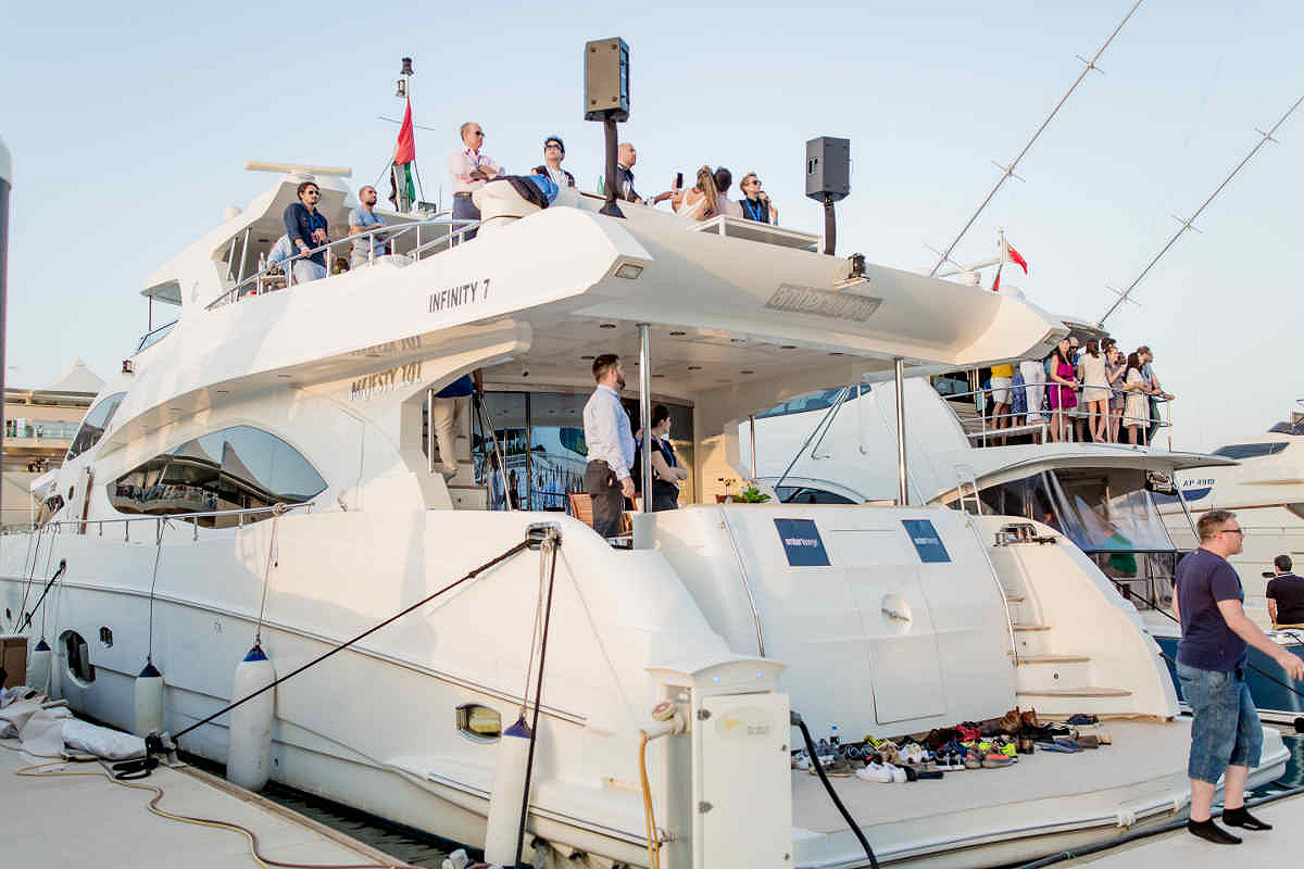 Abu dhabi amber lounge vip yacht yacht