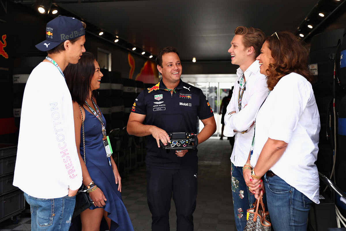 Abu dhabi aston martin red bull racing paddock club  tour of the aston martin red bull racing garage