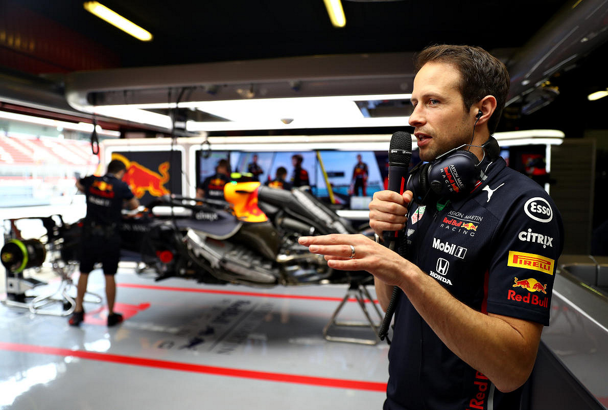 Abu dhabi red bull racing paddock club  pit link