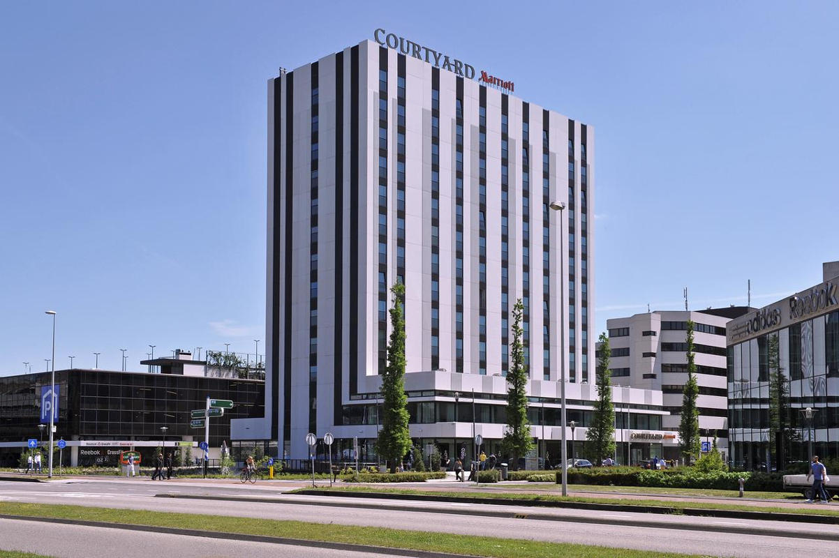 Courtyard Arena Atlas Marriott with General Admission (Standard Twin)