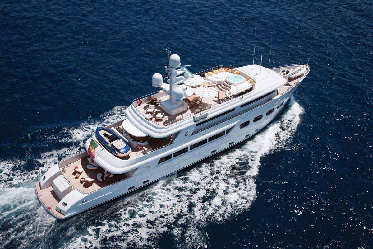 44 m Luxe VIP Yacht