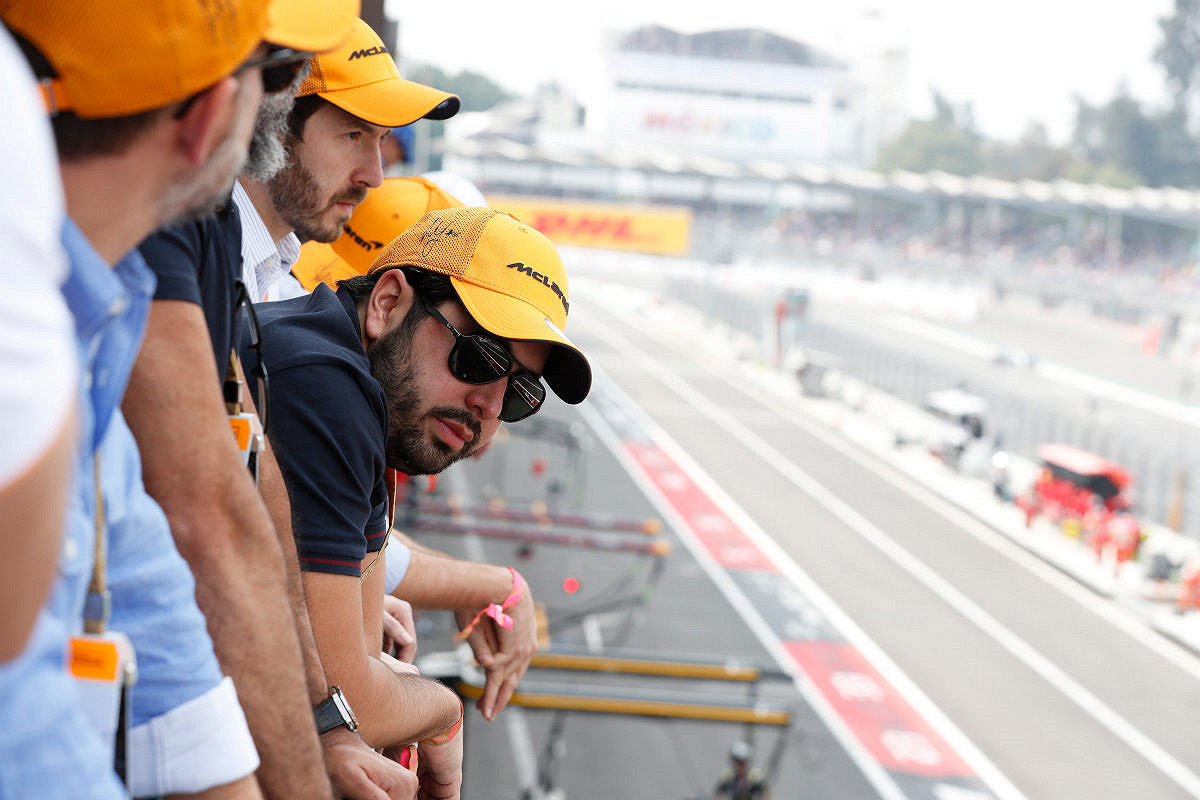 France mclaren f1 experience balcony