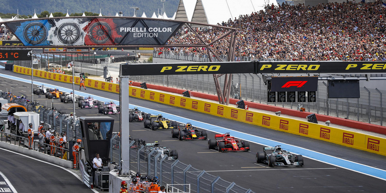 Valtteri Bottas Mercedes leads the pack at the start of the race at BCircuit Paul Ricard, the French F1 race track
