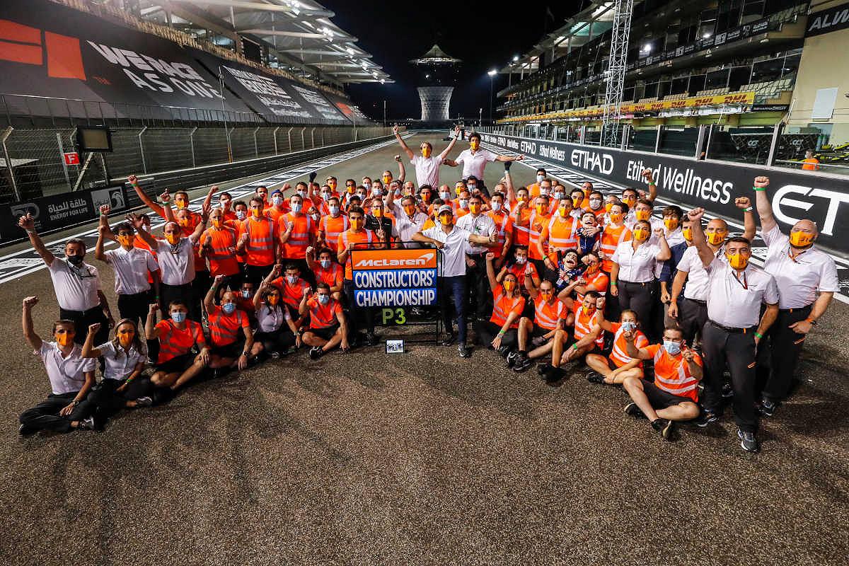 Monaco mclaren f1 experience team photo