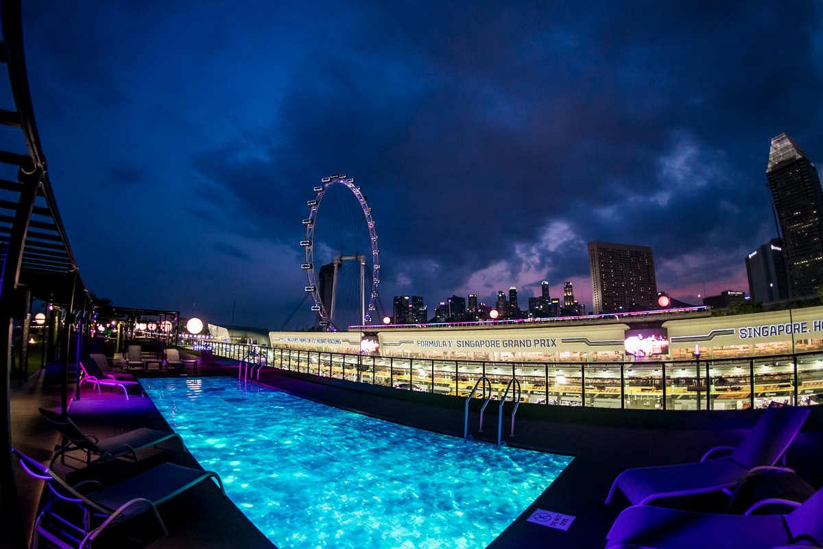 Singapore sky suite singapore skyline