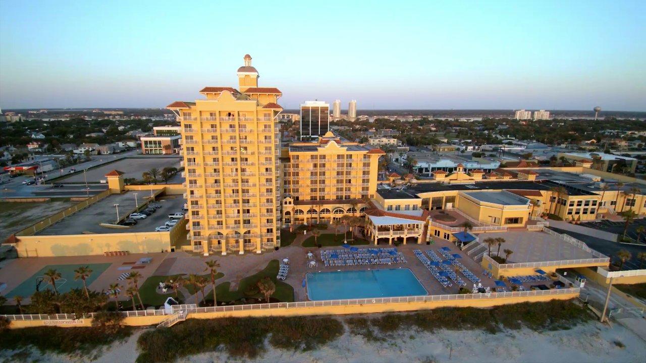 The Plaza Resort & Spa - Sunday - Start/Finish with Tri-Oval Club