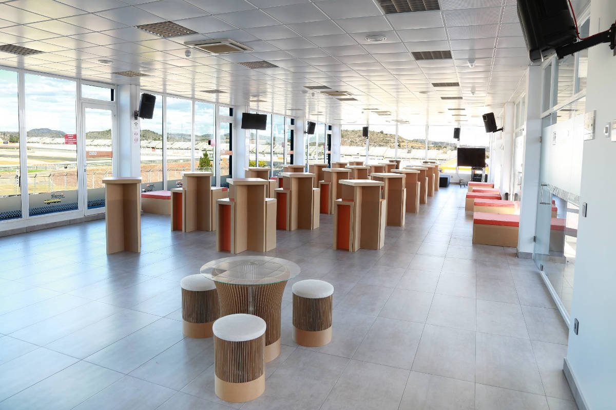 Valencia circuit lounge lounge