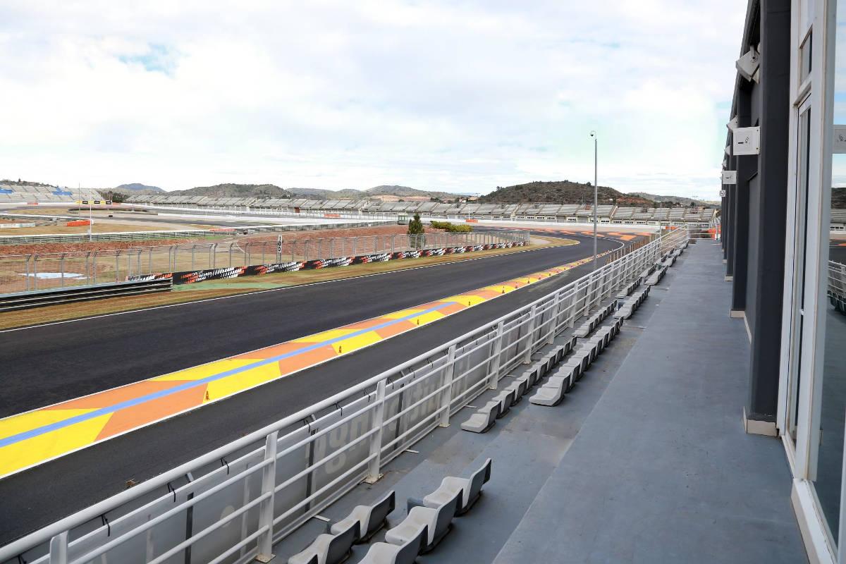 Valencia circuit lounge view
