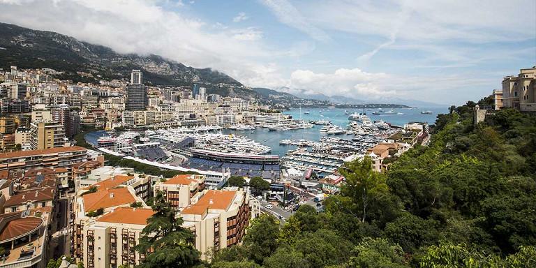 La Côte d'Azur: des courses et plus encore
